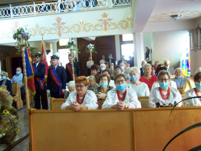 Obchody święta ożynek w kościele w Osinach